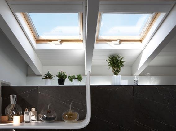 Finestre per tetti e mansarde lucernai rivenditore for Persiane velux