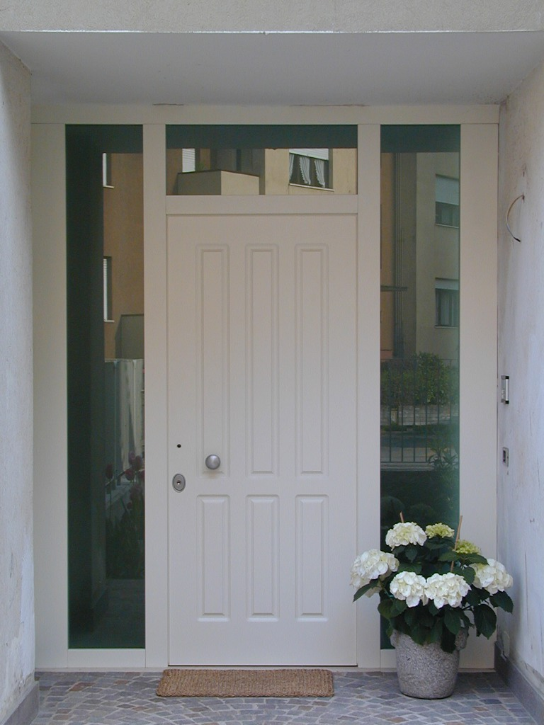 Vendita e installazione porte blindate gasperotti in for Porte e porte